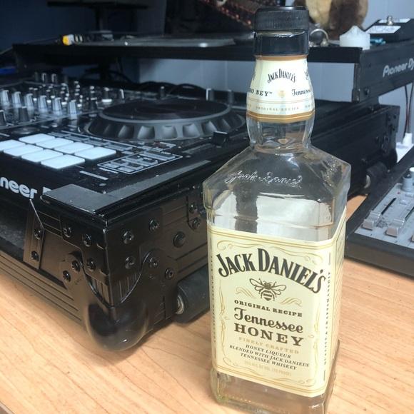 Jack Daniels Other - Empty Jack Daniels Tennessee Honey Whiskey